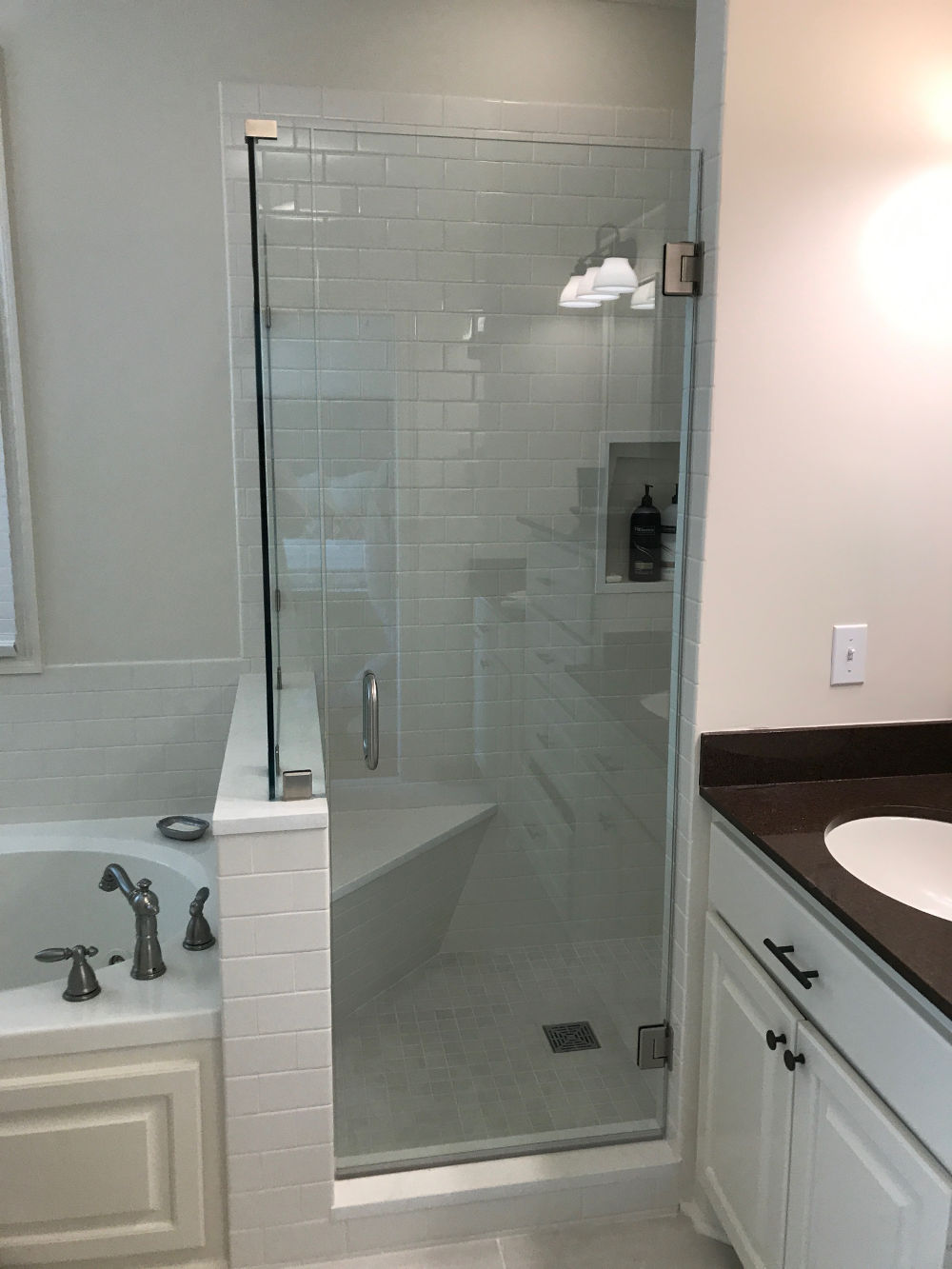 Frameless Shower Doors & Shower Door Installation | Clarity Glass Solutions Inc.